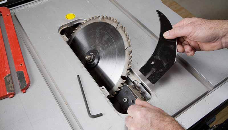 how to change table saw blades